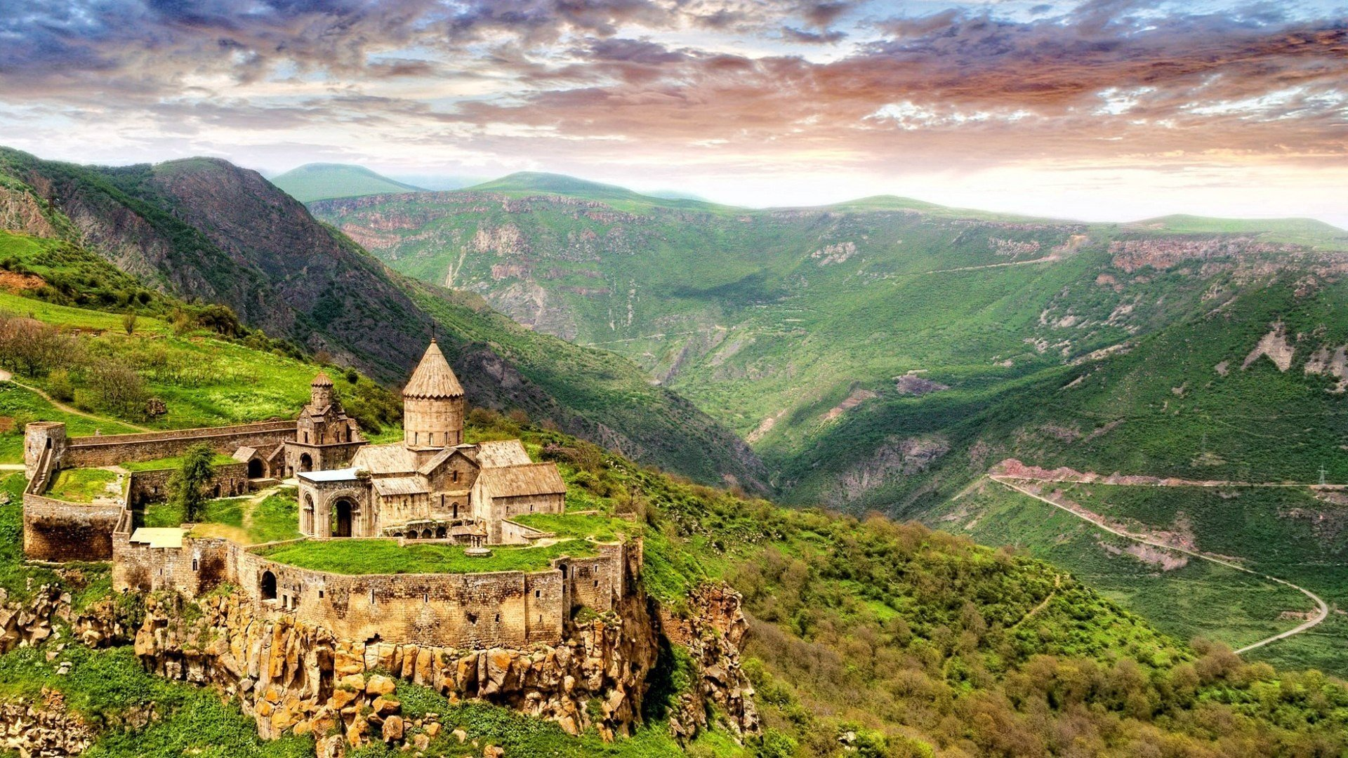 Armenia Travel Book